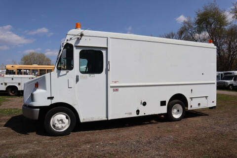 1999 Freightliner MT45 Chassis for sale at Signature Truck Center in Crystal Lake IL