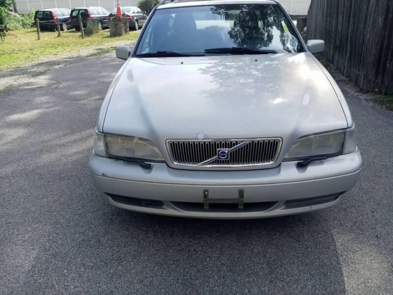 2000 Volvo V70 for sale in Bellingham, MA