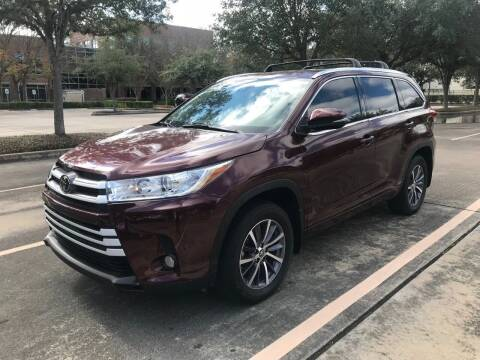 2018 Toyota Highlander for sale at Mid-Town Auto in Houston TX