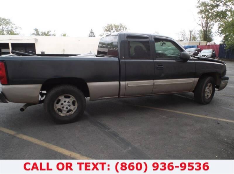 2004 Chevrolet Silverado 1500 for sale at Lee Motor Sales Inc. in Hartford CT