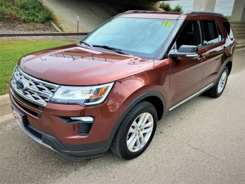 2018 Ford Explorer for sale at Apple Auto in La Crescent MN