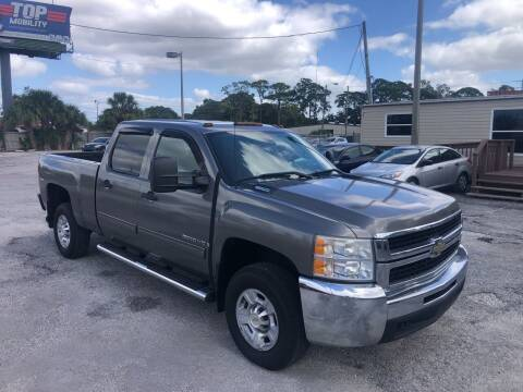 2009 Chevrolet Silverado 2500HD for sale at Friendly Finance Auto Sales in Port Richey FL