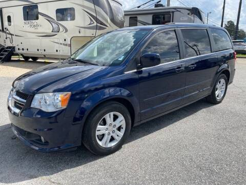 2013 Dodge Grand Caravan for sale at Modern Automotive in Boiling Springs SC