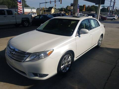 2011 Toyota Avalon for sale at SpringField Select Autos in Springfield IL