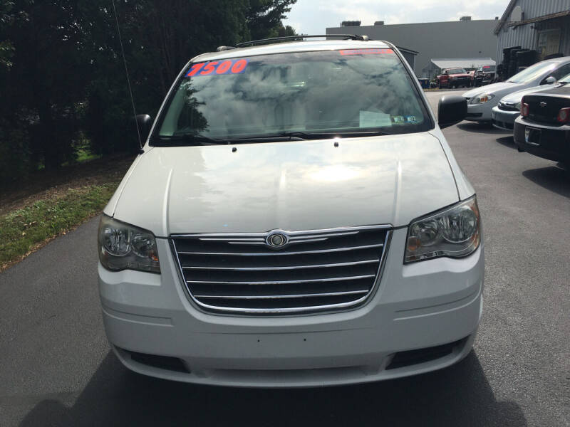 2010 Chrysler Town and Country for sale at BIRD'S AUTOMOTIVE & CUSTOMS in Ephrata PA