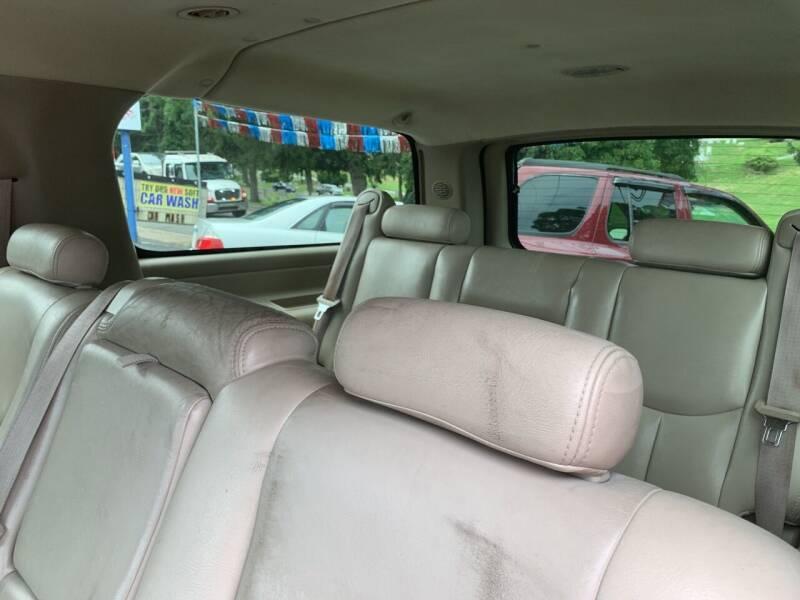 2005 Chevrolet Suburban 1500 LT 4WD 4dr SUV - Harrisburg PA