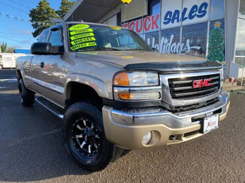 2005 GMC Sierra 2500HD for sale at Xtreme Truck Sales in Woodburn OR