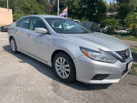 2016 Nissan Altima for sale at Triangle Auto Sales in Omaha NE