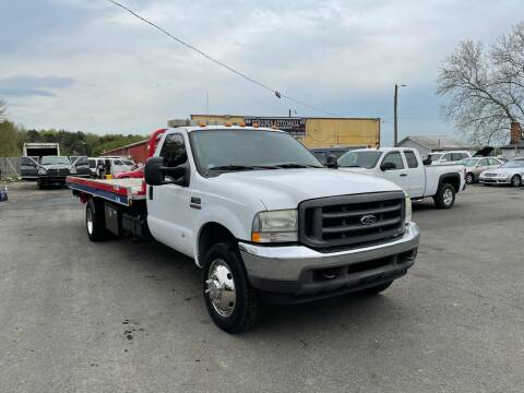 2004 Ford F-550 Super Duty for sale at Virginia Auto Mall in Woodford VA