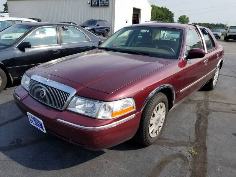 2005 Mercury Grand Marquis for sale at Larry Schaaf Auto Sales in Saint Marys OH