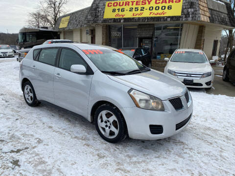 2010 Pontiac Vibe for sale at Courtesy Cars in Independence MO