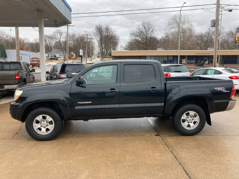 2006 Toyota Tacoma for sale at GRC OF KC in Gladstone MO