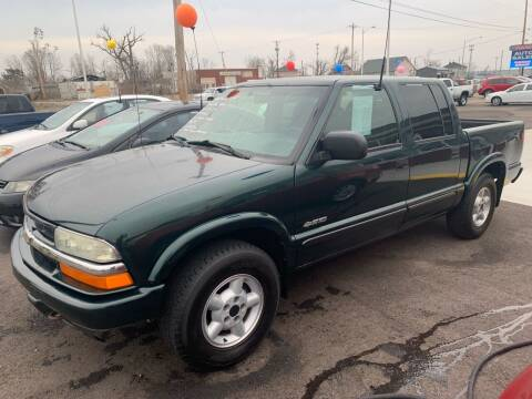 2004 Chevrolet S-10 for sale at PETE'S AUTO SALES LLC - Dayton in Dayton OH