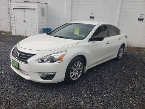 2015 Nissan Altima for sale at CRS 1 LLC in Lakewood NJ