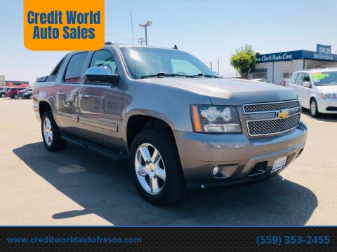 2012 Chevrolet Avalanche for sale at Credit World Auto Sales in Fresno CA
