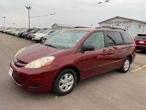 2010 Toyota Sienna for sale at De Anda Auto Sales in South Sioux City NE