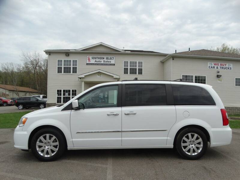 2016 Chrysler Town and Country for sale at SOUTHERN SELECT AUTO SALES in Medina OH