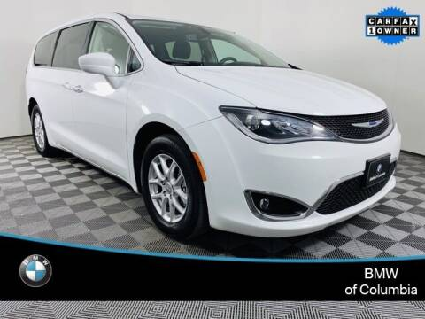 2020 Chrysler Pacifica for sale at Preowned of Columbia in Columbia MO