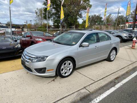2010 Ford Fusion for sale at JR Used Auto Sales in North Bergen NJ