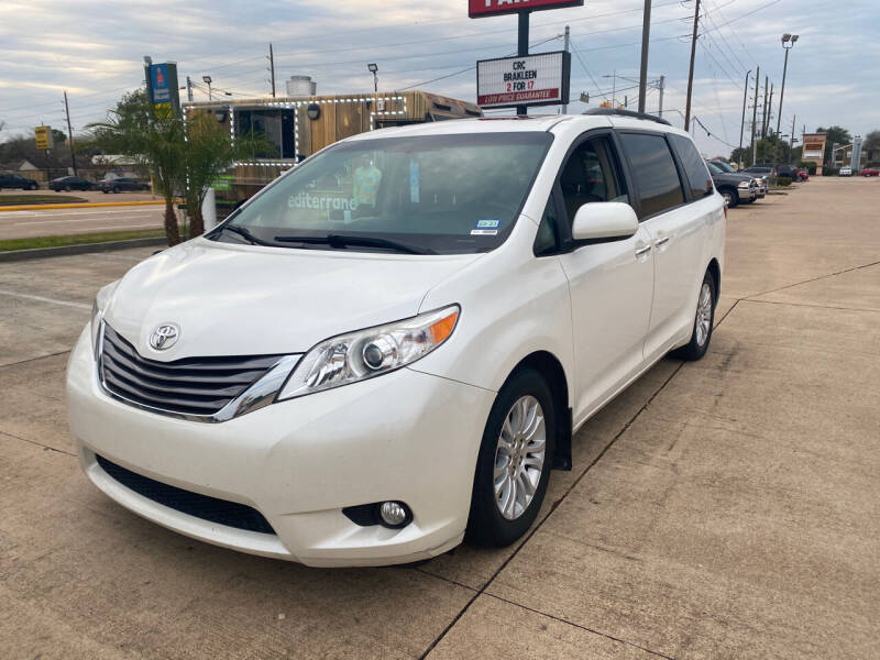 2015 Toyota Sienna for sale at Houston Auto Gallery in Katy TX