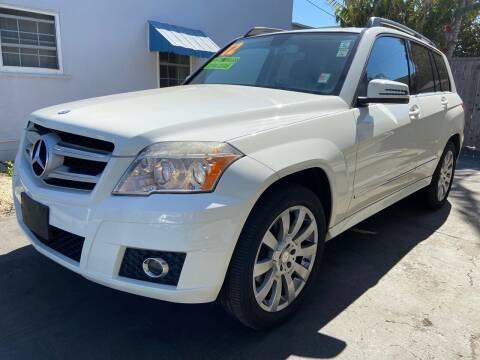 2012 Mercedes-Benz GLK for sale at Auto Max of Ventura - Automax 3 in Ventura CA