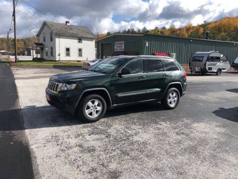 2011 Jeep Grand Cherokee for sale at DAN KEARNEY'S USED CARS in Center Rutland VT