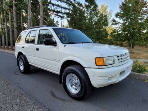 1998 Isuzu Rodeo for sale at CLEAR CHOICE AUTOMOTIVE in Milwaukie OR