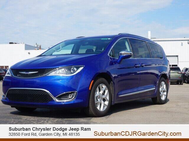 2020 Chrysler Pacifica for sale in Garden City, MI