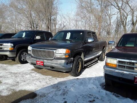 1999 GMC Sierra 1500 for sale at BARNES AUTO SALES in Mandan ND