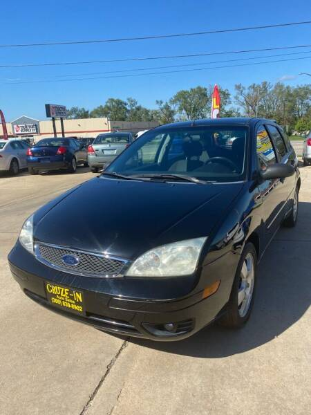 2007 Ford Focus for sale at Cruze-In Auto Sales in East Peoria IL