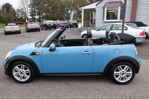 2013 MINI Convertible for sale at GEG Automotive in Gilbertsville PA