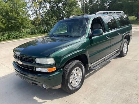 2004 Chevrolet Suburban for sale at Bam Motors in Dallas Center IA