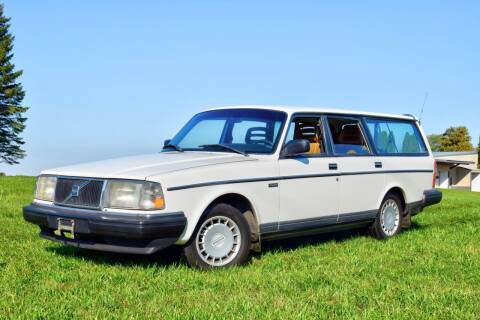 1990 Volvo 240 for sale at Hooked On Classics in Watertown MN