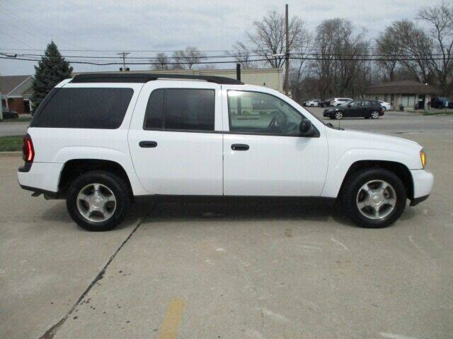 2005 Chevrolet TrailBlazer EXT for sale at Pinnacle Investments LLC in Lees Summit MO