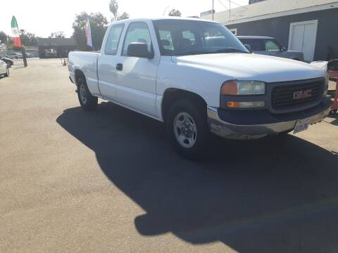 2002 GMC Sierra 1500 for sale at COMMUNITY AUTO in Fresno CA