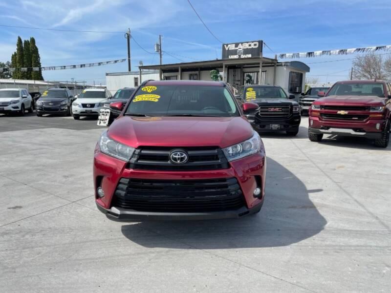 2018 Toyota Highlander for sale at Velascos Used Car Sales in Hermiston OR