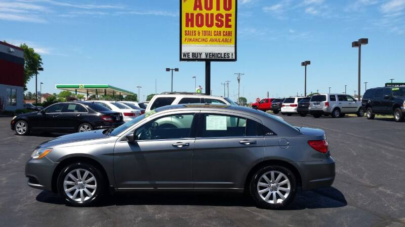 2013 Chrysler 200 for sale in Waukesha, WI
