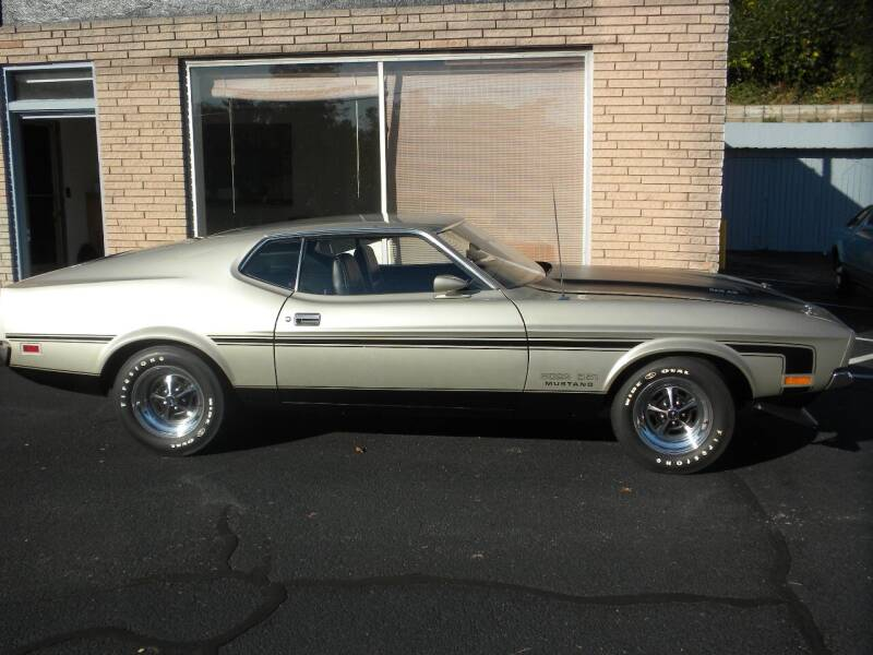 1971 Ford Mustang for sale at D & B Auto Sales & Service in Martinsville VA