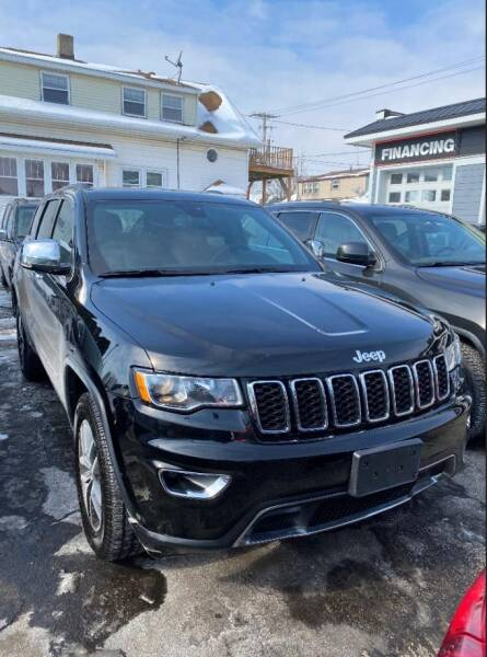 2019 Jeep Grand Cherokee for sale at CLASSIC MOTOR CARS in West Allis WI