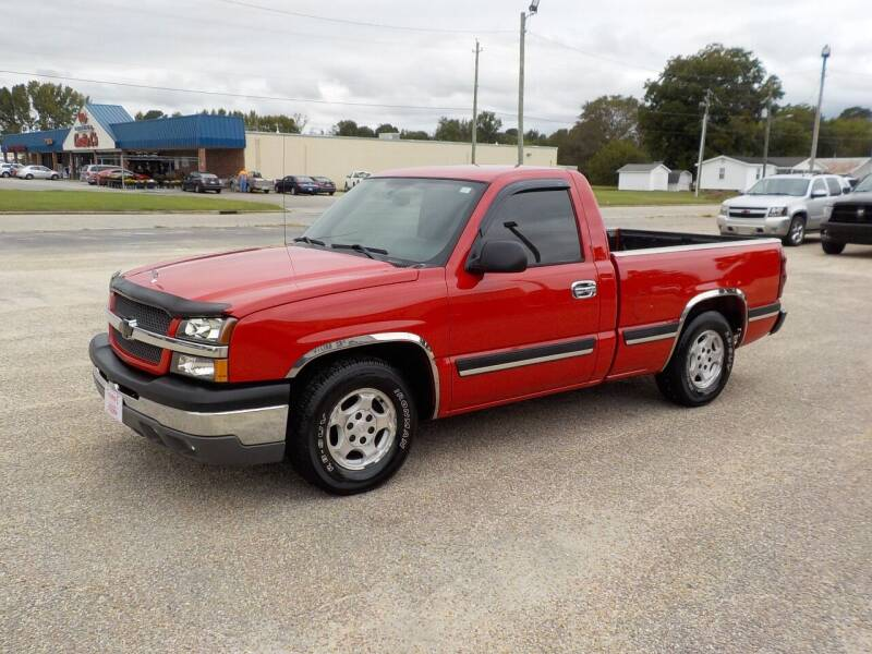 2004 Chevrolet Silverado 1500 for sale at Young's Motor Company Inc. in Benson NC