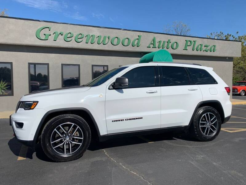 2017 Jeep Grand Cherokee for sale at Greenwood Auto Plaza in Greenwood MO