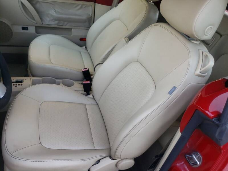2007 Volkswagen New Beetle Convertible 2.5 2dr Convertible (2.5L I5 6A) - Dallas TX