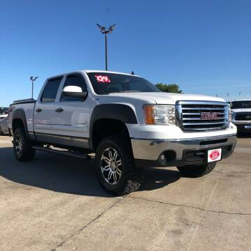 2009 GMC Sierra 1500 for sale at UNITED AUTO INC in South Sioux City NE