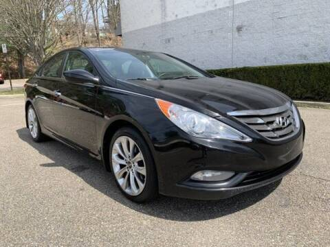 2011 Hyundai Sonata for sale at Select Auto in Smithtown NY