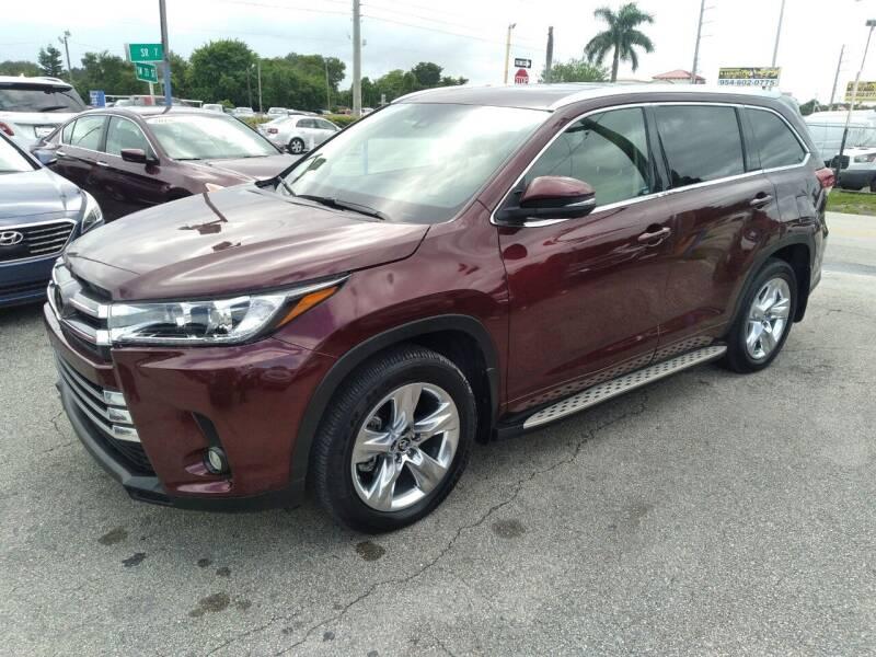 2019 Toyota Highlander for sale at P S AUTO ENTERPRISES INC in Miramar FL