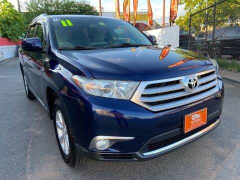 2011 Toyota Highlander for sale at TOP SHELF AUTOMOTIVE in Newark NJ