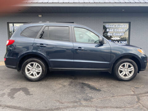 2012 Hyundai Santa Fe for sale at Auto Credit Connection LLC in Uniontown PA