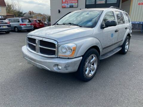 2005 Dodge Durango for sale at MAGIC AUTO SALES in Little Ferry NJ