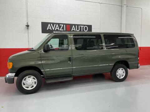 2004 Ford E-Series Wagon for sale at AVAZI AUTO GROUP LLC in Gaithersburg MD