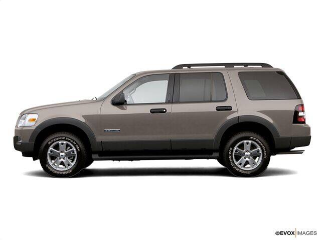 2006 Ford Explorer for sale at CHAPARRAL USED CARS in Piney Flats TN